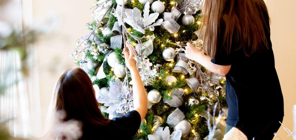 festive decorators