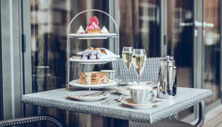 afternoon tea: planning a romantic staycation