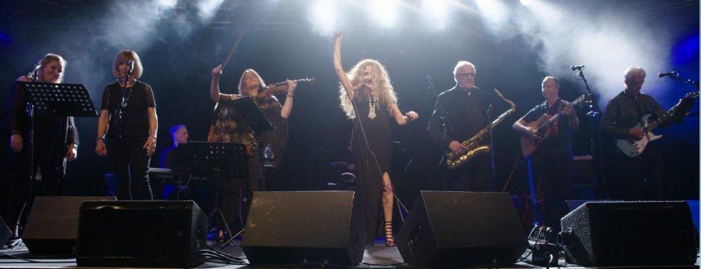 Calli and the band