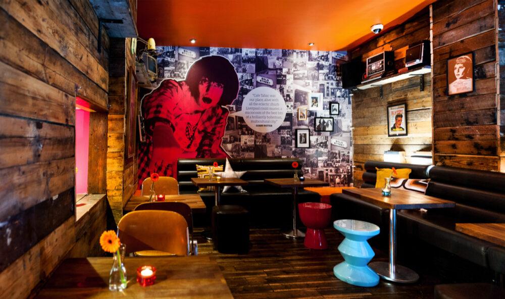 Café Tabac interior 2