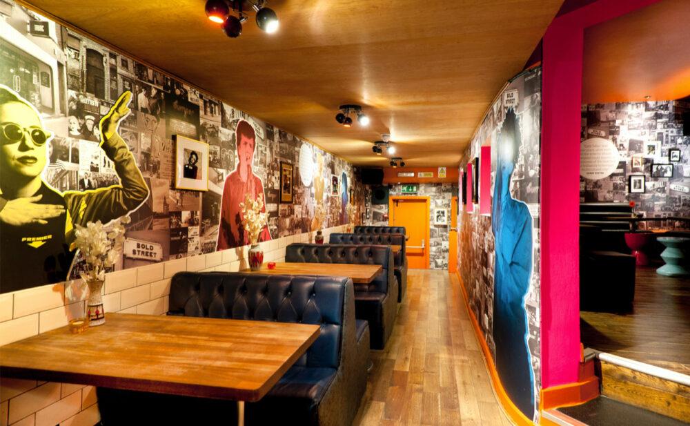 Café Tabac interior