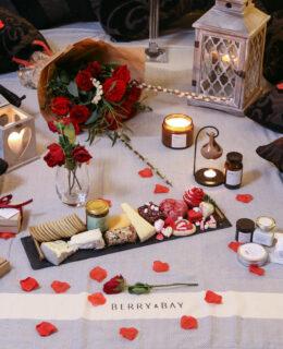 Berry & Bay's Indoor Picnic