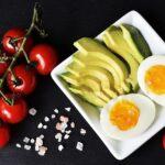 tomatoes, avocado & an egg